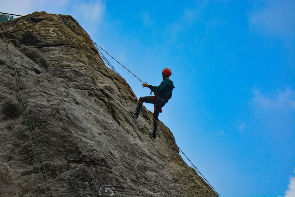 Rappelling at Tenzing Rock - Basic Mountaineering Course HMI