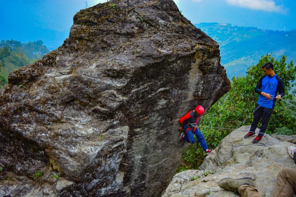 Chimney Climbing - Basic Mountaineering Course HMI
