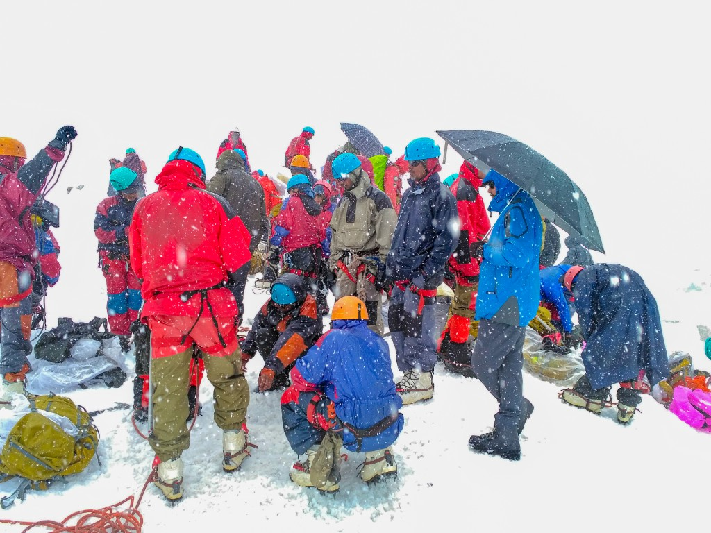 Glacier training during snowfall
