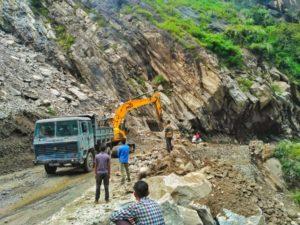 Landslide amidst the way