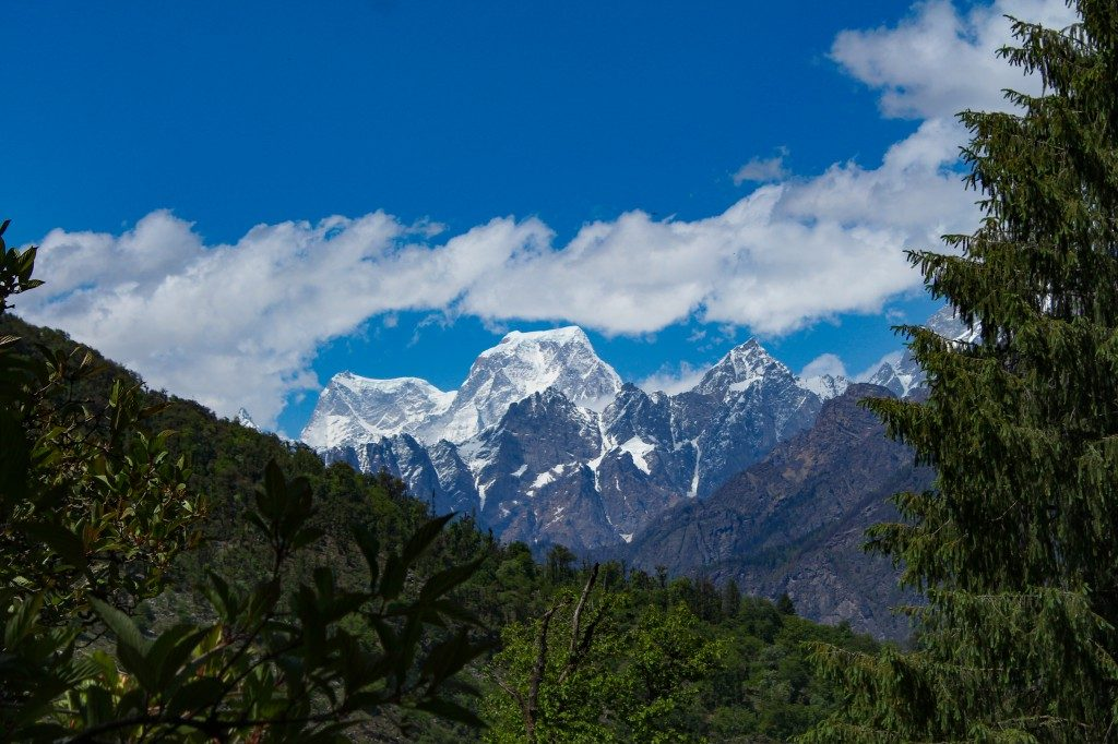 First glimpse of Hathi Godha massif - Pangarchulla Peak Trek