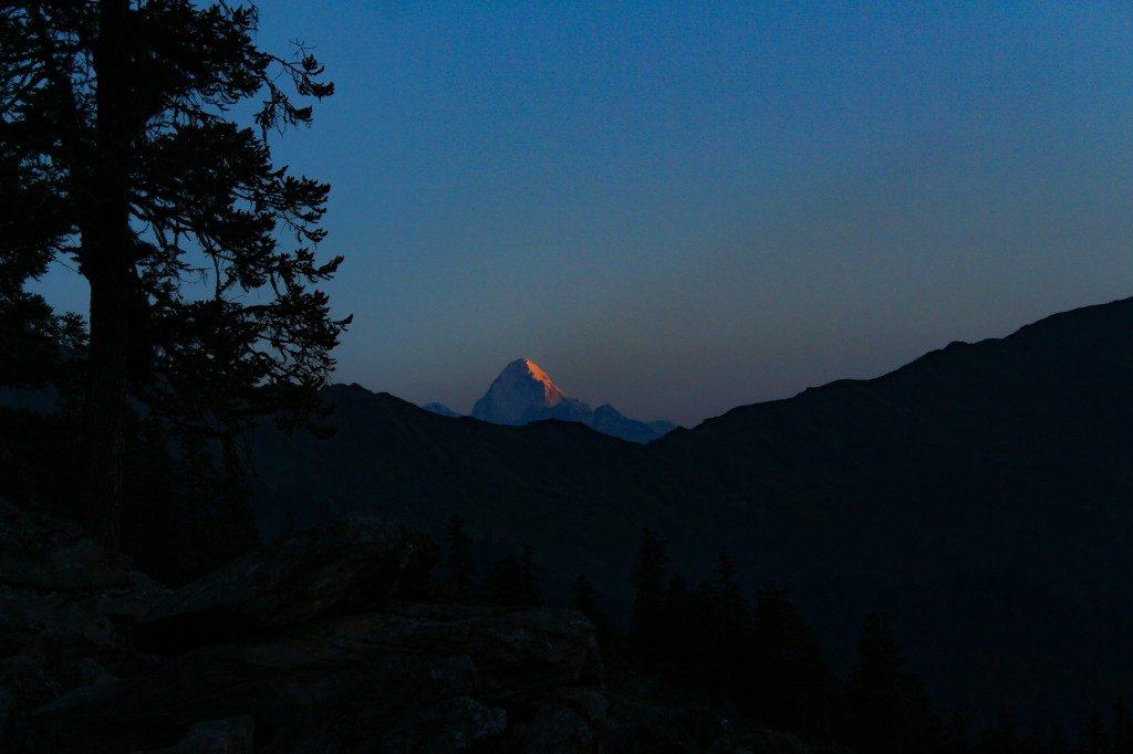 Nilkanth Peak during the sunrise - Pangarchulla Peak