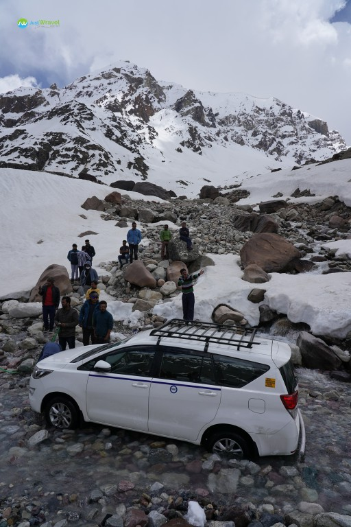 Jam at Zing Zing Bar - Manali to Leh Ladakh