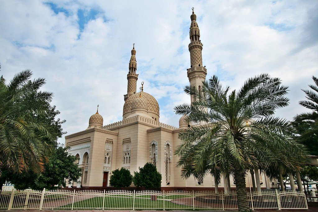 Jumeirah Mosque - Best Places to visit in Dubai