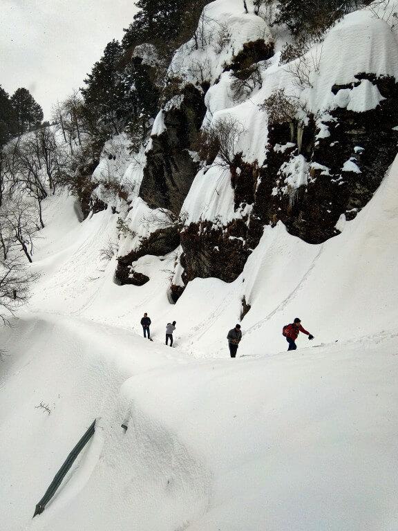 While approaching towards Jalori Pass - Jibhi Trip
