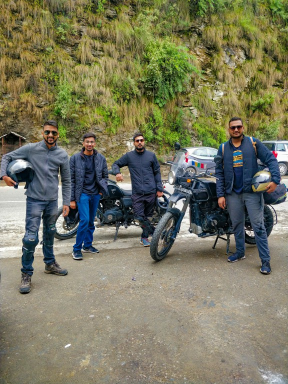 Resuming the ride after breakfast - Road Trip to Kalpa & Chitkul